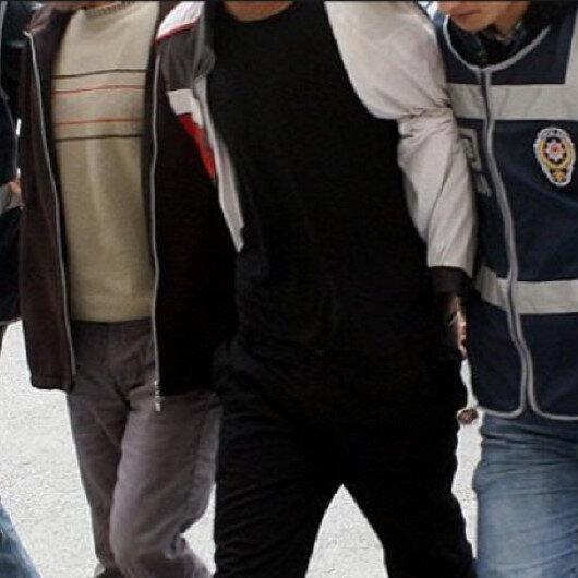 Çanakkale'de kendilerini savcı olarak tanıtıp insanları dolandırmaya çalışan iki kişi tutuklandı