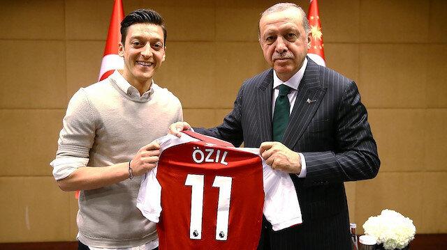 Mesut Özil Almanları çıldırtan fotoğraf hakkında konuştu: Cumhurbaşkanı Erdoğan'la fotoğraf çektiririm kimse karışamaz