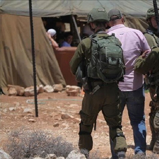Israel detains 10 Palestinians in West Bank raids