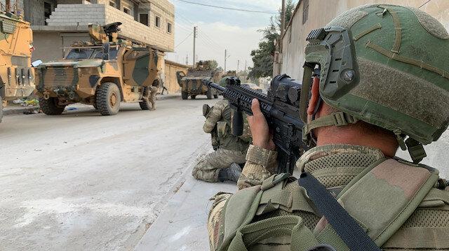 Barış Pınarı Harekatı'nın ilk defa yayınlanan görüntüleri: Askerlerimiz PYD-PKK'nın inlerine işte böyle girdi