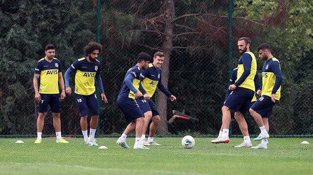Fenerbahçe'de Emre Belözoğlu ve Max Kruse sevinci