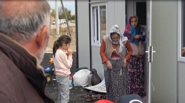 Bir ayda yaşadıkları 3 ev, köy odası yandı, şimdi elbiseleri kendi kendine alev alıyor