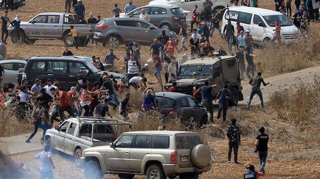İşgalci İsrail askerleri Filistinli göstericileri ezmeye çalıştı