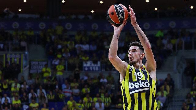 Fenerbahçe'de Nando De Colo 39 sayıyla EuroLeague kariyer rekorunu kırdı.