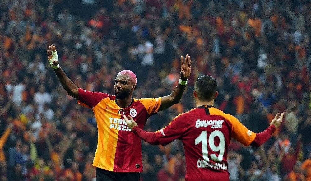Ryan Babel Galatasaray formasıyla 3. golünü attı.