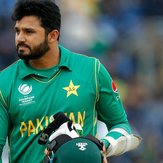 Cricket-Pakistan axe Sarfaraz, name Azhar as test captain