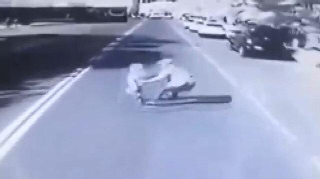 Birden yola fırlayan çocuğunu kurtarmak isteyen baba hayatını kaybetti