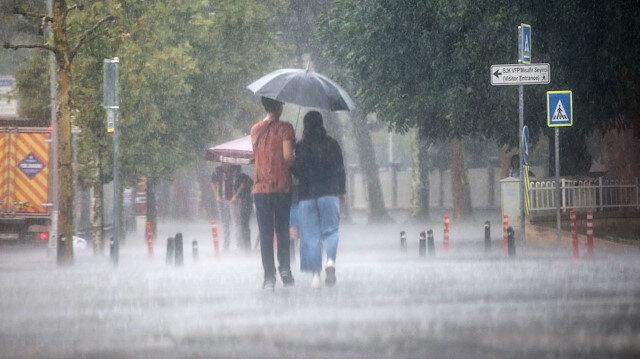Meteorolojiden 4 bölge için sağanak uyarısı: Şemsiyesiz çıkmayın