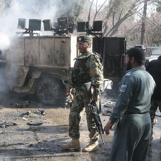 Afganistan'da valiye bombalı saldırı: 3 ölü