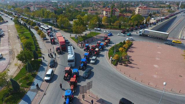 Konyalı çiftçilerden TSK'ya destek konvoyu