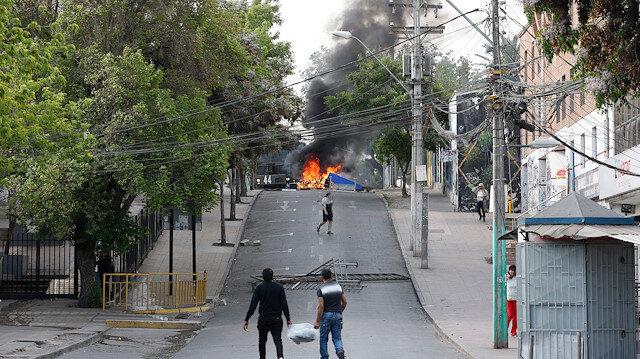 Şili'deki zam karşıtı protestolar: Yaktılar, yıktılar, yağmaladılar