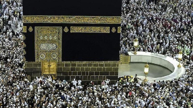 """الرياض تدرس إلغاء شرط """"المَحْرم"""" للراغبات في أداء العمرة"""