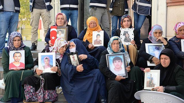HDP önündeki eylemde 49'uncu gün: Evlat nöbetinde çocuklarını bulunmasını isteyen 55 aile