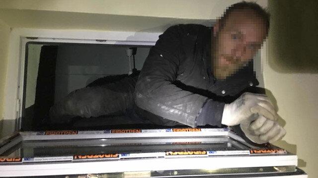 3 katlı eve giren hırsız havalandırma boşluğunda yakalandı
