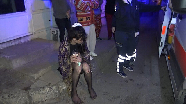 Elektrikler gittiği için yaktığı mumdan çıkan yangında köpeği yanarak ölen kadın sinir krizi geçirdi