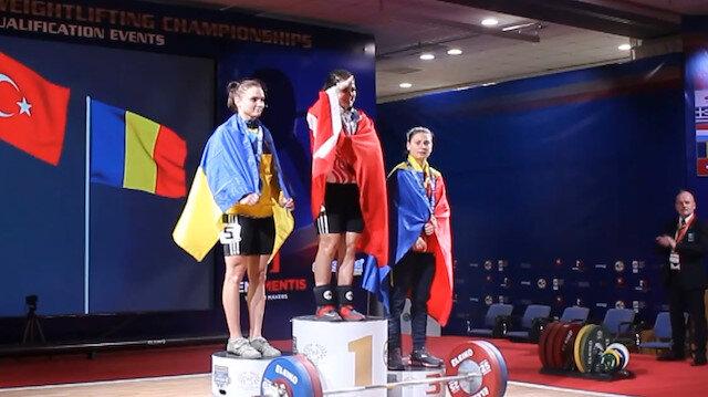 Avrupa Halter Şampiyonu Ayşegül Çakın'dan Mehmetçiklerimize selam
