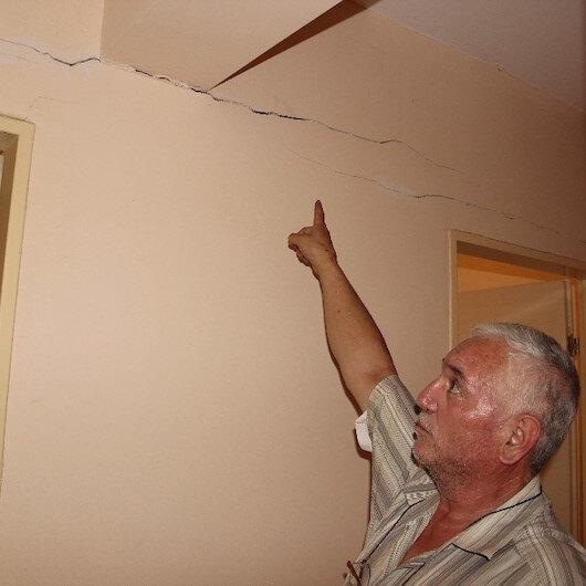 Yağış ve depremlerden sonra Acarlar'da 10 yıllık evler çökmeye başladı
