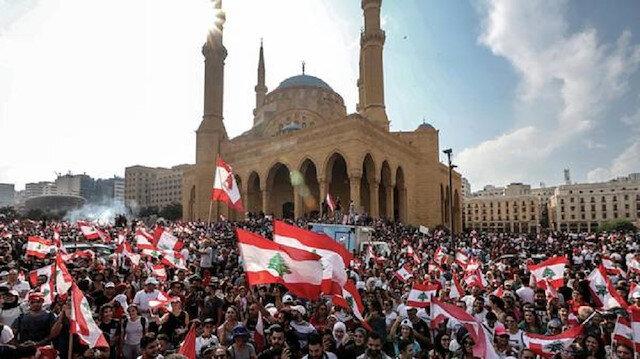 اللبنانيون يرفضون الإصلاحات ويواصلون الاحتجاجات لليوم السادس