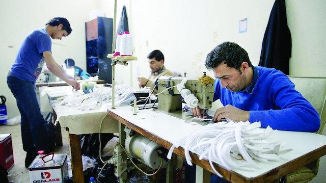 'Kölelik düzenine' yaptırım: Çalışma izni ve ikametgah belgesi olmayan yabancıları çalıştıranlara çok ağır ceza