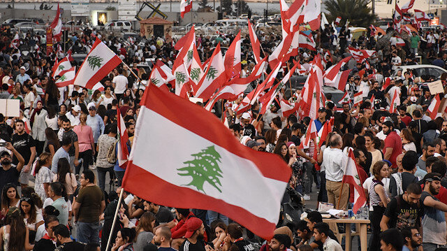 Army, protesters clash in Beirut amid protests