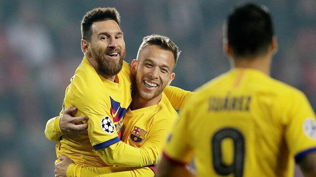 Lionel Messi Şampiyonlar Ligi'inde bir ilke imza attı