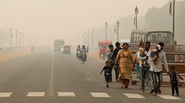 Hindistan'daki hava kirliliği sebebiyle acil durum ilan edildi: Dışarıdaki aktiviteler yasak