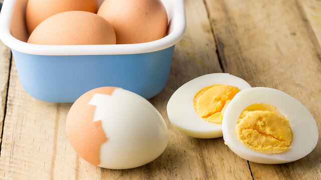 161 lira karışılığında: Hindistan'da 41 yumurta yiyen kişi öldü