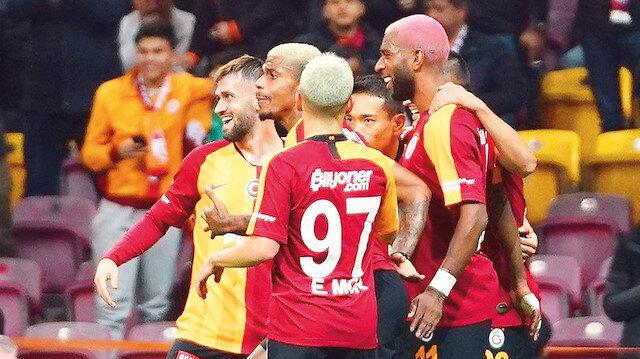 Galatasaray, bu sezon Devler Ligi'nde çıktığı 3 maçta 1 puan alabildi.