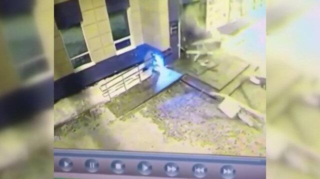 Patlayıcıyı fazla kullanan ATM hırsızları AVMyi havaya uçurdu