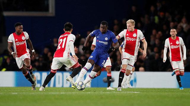 Chelsea sahasında Ajax ile 4-4 berabere kaldı.