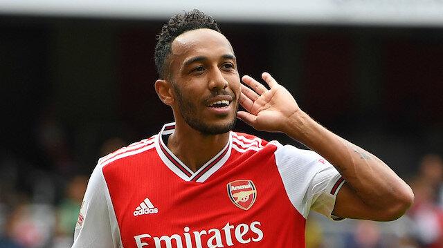 Arsenal'de taraftara küfür eden Xhaka'nın yerine kaptanlığa Aubameyang getirildi.