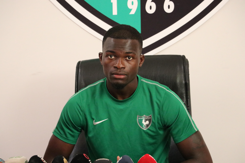 Isaac Sackey, yeşil-siyahlı formayla çıktığı 6 lig maçında skor üretemedi.