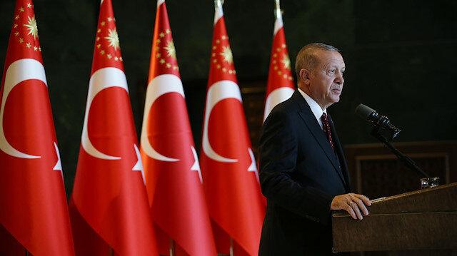 Cumhurbaşkanı Erdoğan'dan 10 Kasım mesajı: Cumhuriyetimizin banisi Atatürk'ü minnetle yad ediyorum