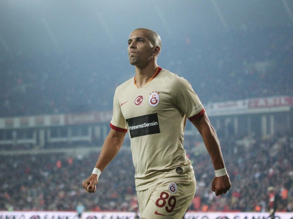 Sofiane Feghouli geçtiğimiz sezon 40 resmi maçta 13 gol, 7 asistlik performans sergilemişti.