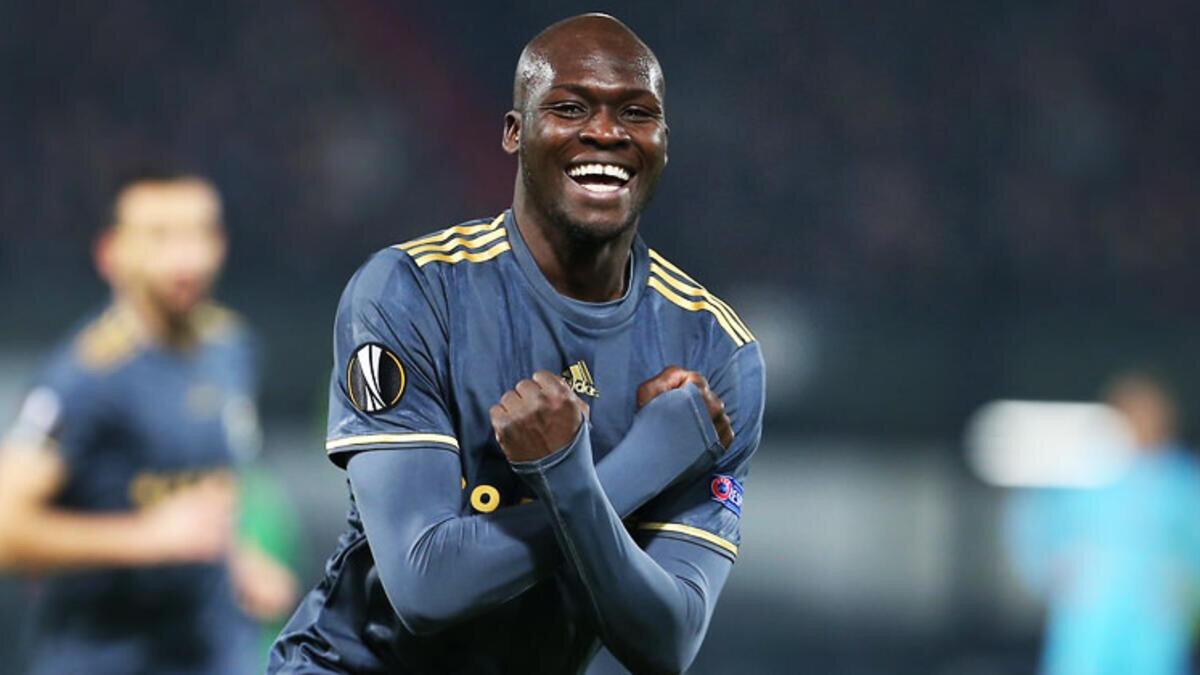 Sow, sarı-lacivertli formayla çıktığı 185 maçta 75 gol kaydetmişti.
