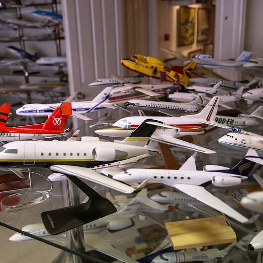 تعرف على رجل أعمال تركي يمتلك 12 ألف طائرة عالمية!