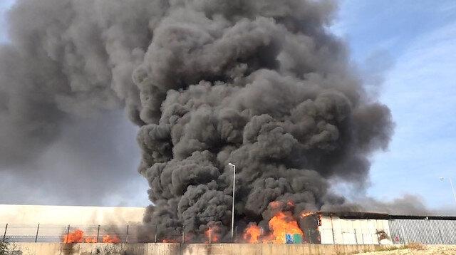 Antalya'da meydana gelen depo yangını korkuttu