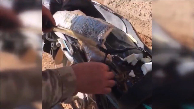 Komandolar motosikletteki bomba düzeneğini etkisiz hale getirdi