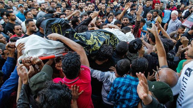 Eli kanlı İsrail'in Filistin'e düzenlediği saldırılarda 10 kişi hayatını kaybetti
