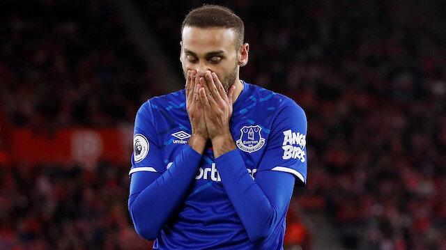 Everton'da forma giyen milli oyuncumuz bu sezon takımıyla çıktığı 5 resmi maçta 1 gol attı 2 de asist yaptı.