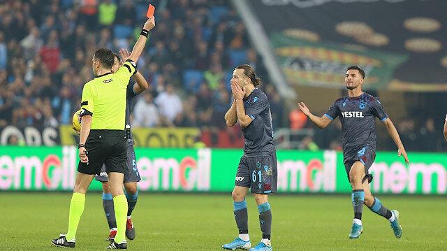 Abdülkadir Parmak, Alanyaspor maçında rakibine yaptığı hareketin ardından kırmızı kart görmüştü.