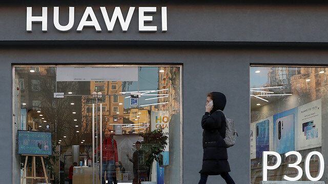 US to extend license for its companies to continue business with Huawei