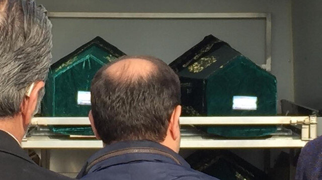 Bakırköy'de siyanürden ölen aile son yolculuğuna uğurlandı