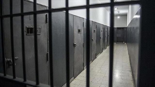 Afghanistan halts release of three Taliban prisoners: source
