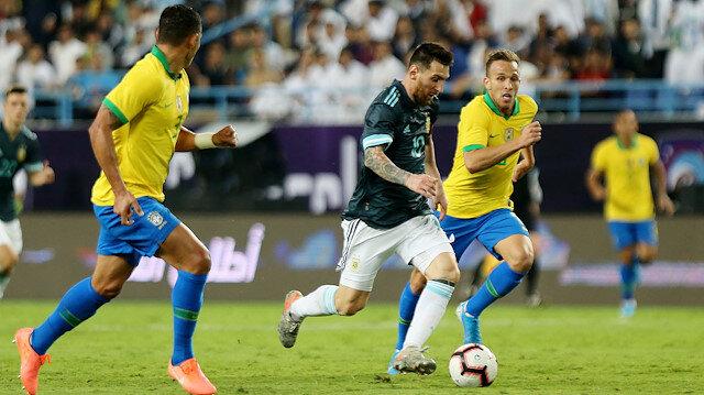 Messi attı, Arjantin Brezilya'yı devirdi