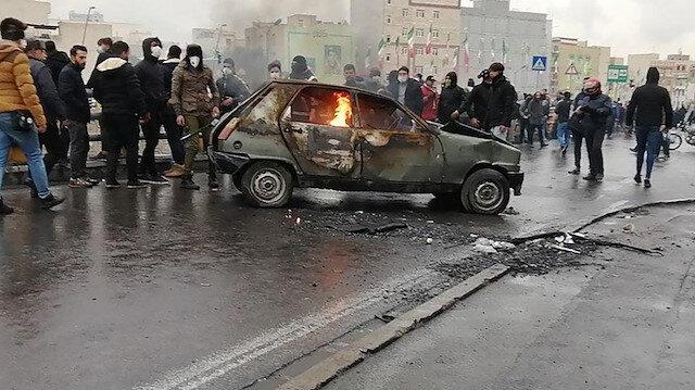 İran'da bin 80 noktada gösteri: Bin kişi gözaltına alındı