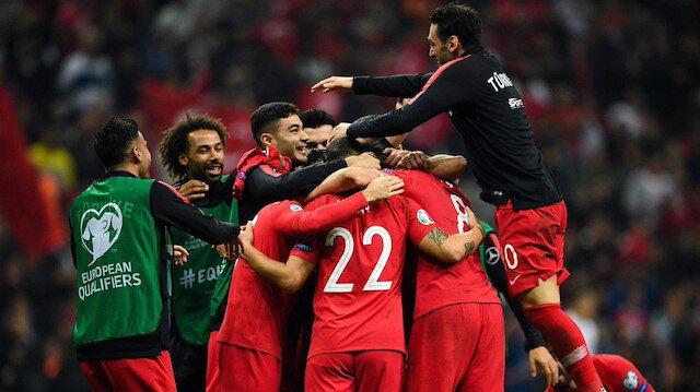 Türkiye grup liderliği için sahaya çıkıyor