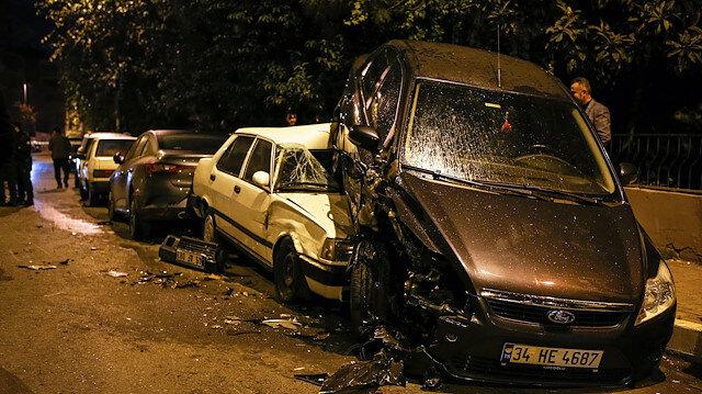 Polisten kaçan şüpheliler park halindeki 6 aracı biçti