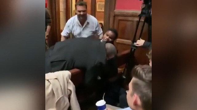 Oxford Üniversitesinde büyük rezalet: Görme engelli Afrikalı öğrenciyi salondan attılar