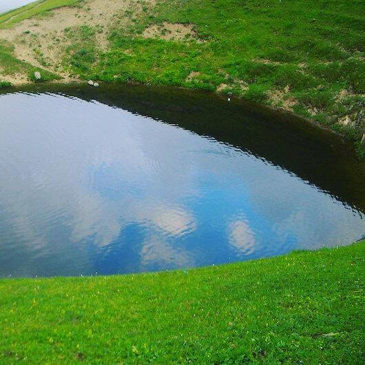 12 bin yıllık Dipsiz Göl'de define kazısına izin veren 2 müdür ve 1 memur açığa alındı